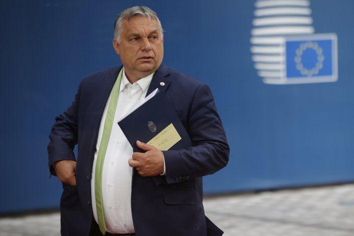 UE critica a tres de sus países por minar imperio de la ley