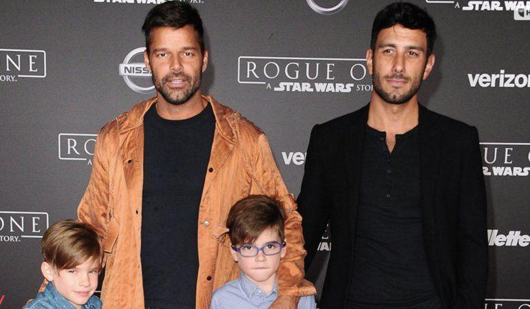 Ricky Martin compara a la Virgen María con un vientre de alquiler