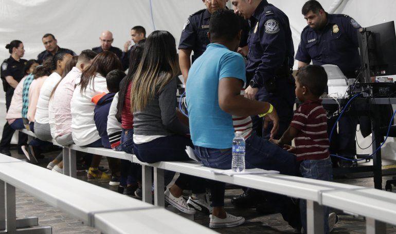 EEUU envía a México a solicitantes de asilo desde Arizona
