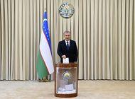el presidente de uzbekistan gana un segundo mandato