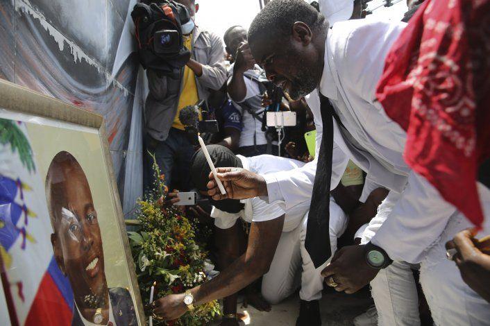 Haití: Líder pandillero reúne a cientos para honrar a Moïse