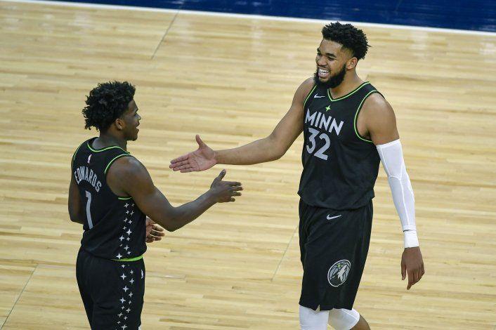 Towns aporta 24 puntos a victoria de Wolves sobre Heat