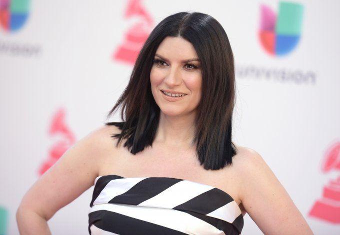 """Pausini gana su 1er Globo de Oro como coautora de """"Io Sì"""""""