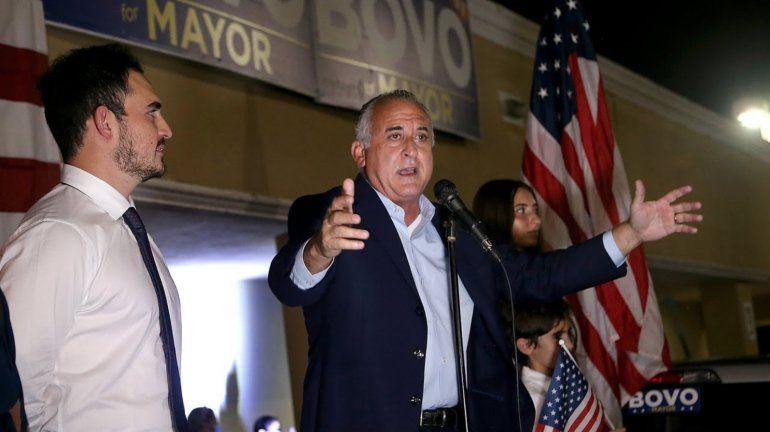 Ex comisionado condal Esteban Bovo Jr. evalúa postularse a la alcaldía de Hialeah