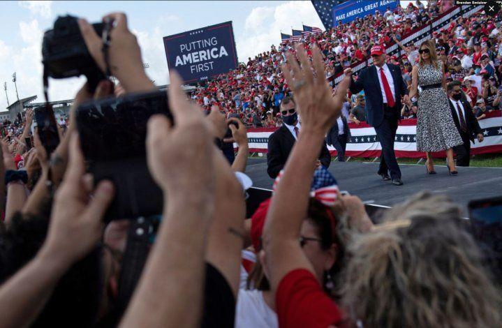 Trump sopesa acudir a una marcha a favor de su Administración en Washington