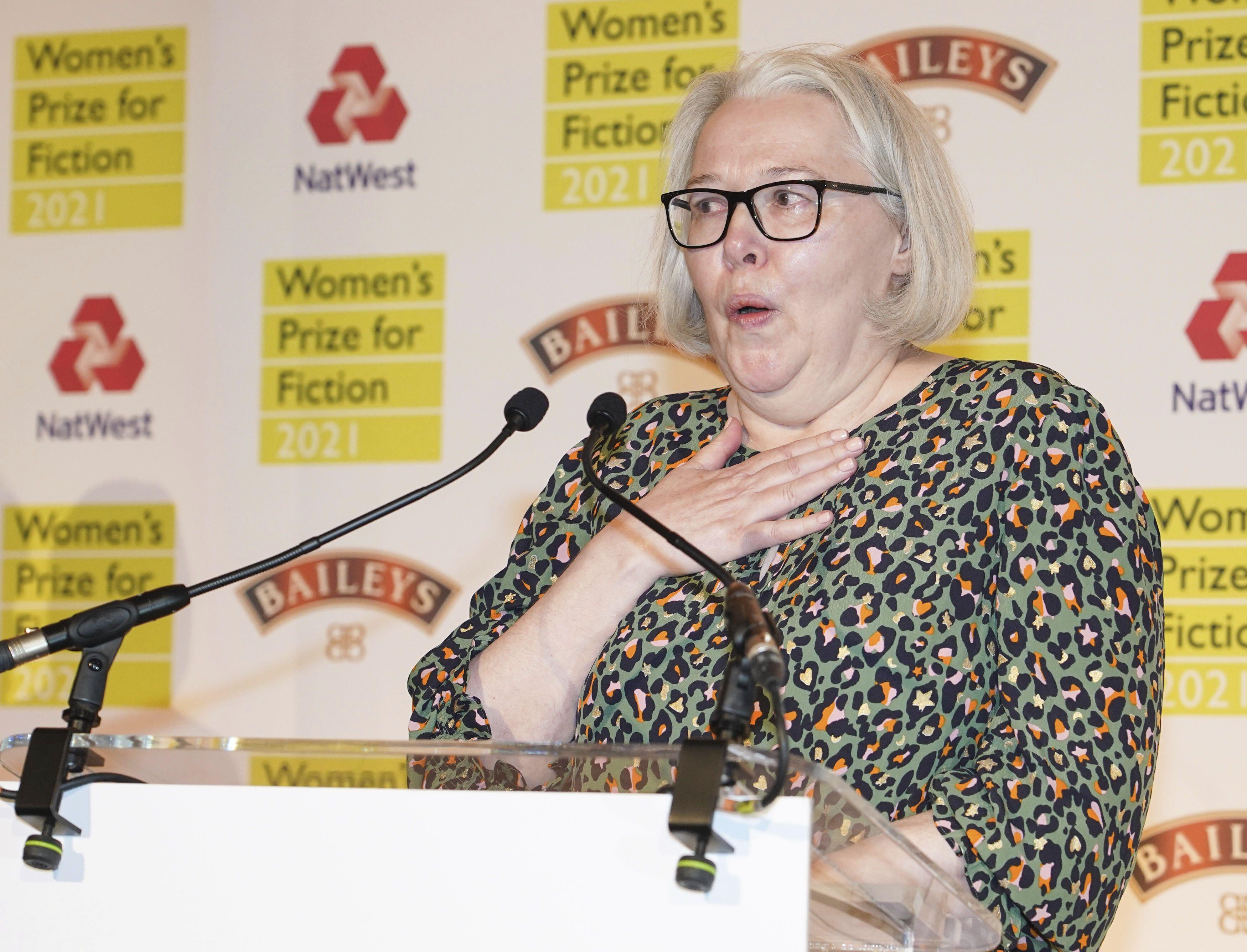 novelista susanna clarke gana premio femenino de ficcion
