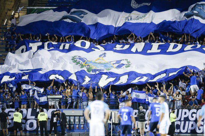El Salvador gestiona ante la FIFA jugar de local en EEUU