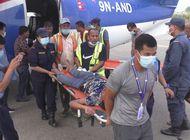 28 muertos al estrellarse autobus en nepal