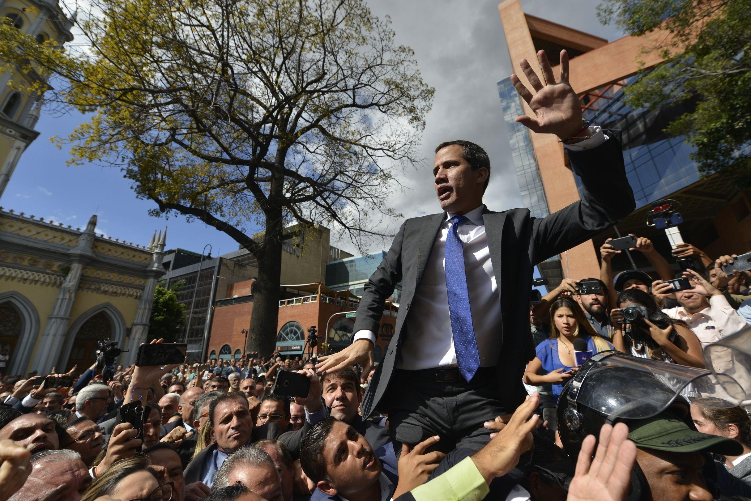 venezuela: fiscalia abre proceso contra opositor juan guaido