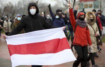 Bielorrusia: Policía golpea, arresta a manifestantes