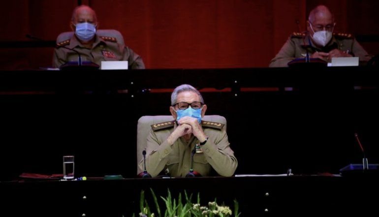 ABC de España: Raúl Castro tiene cáncer