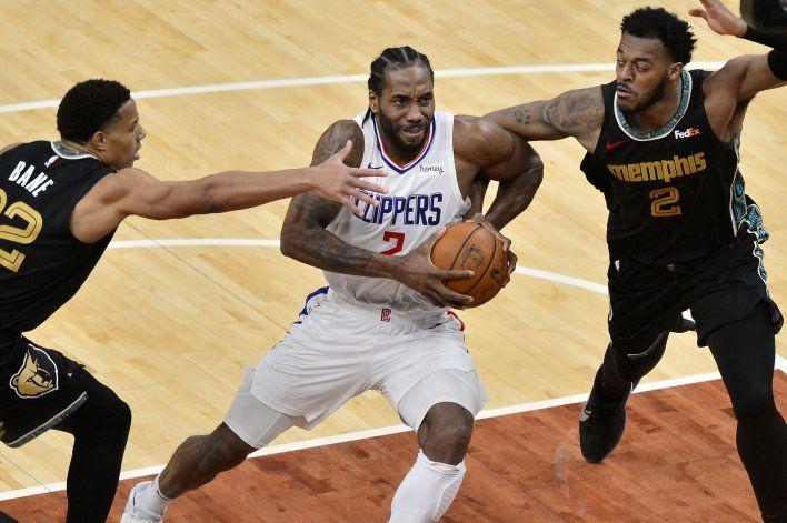 Con 30 puntos de Leonard, Clippers arrollan a Grizzlies