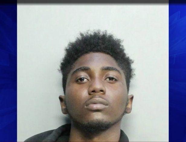 Sospechoso arrestado 2 años después de que un bibliotecario de Miami-Dade fuera asesinado durante un intento de robo