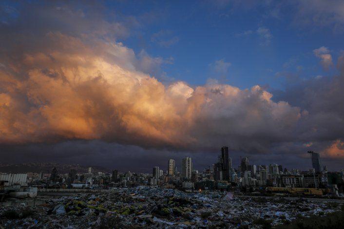 Imágenes satelitales podrían esclarecer explosión en Beirut