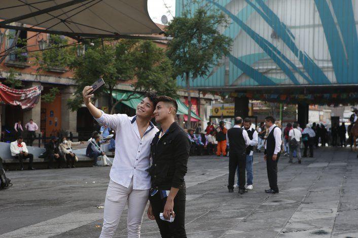 México eleva alerta por COVID-19 en casi todo el país
