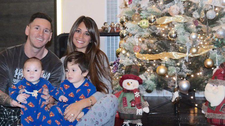 Lionel Messi aterrizó en Argentina con Antonela Roccuzzo y sus hijos: pasará Navidad con su familia en Rosario