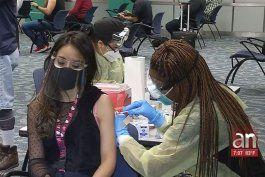 abren centro de vacunacion en aeropuerto internacional de miami