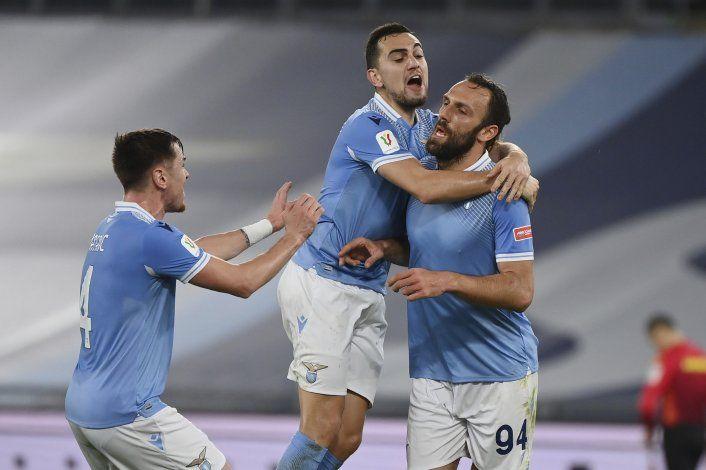 Lazio gana, con autogol agónico de Parma, en Copa Italia