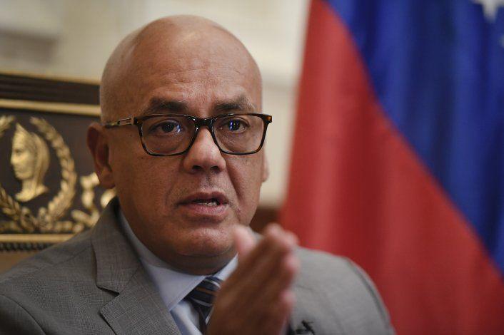 Líder del Congreso de Venezuela insta al diálogo con Biden