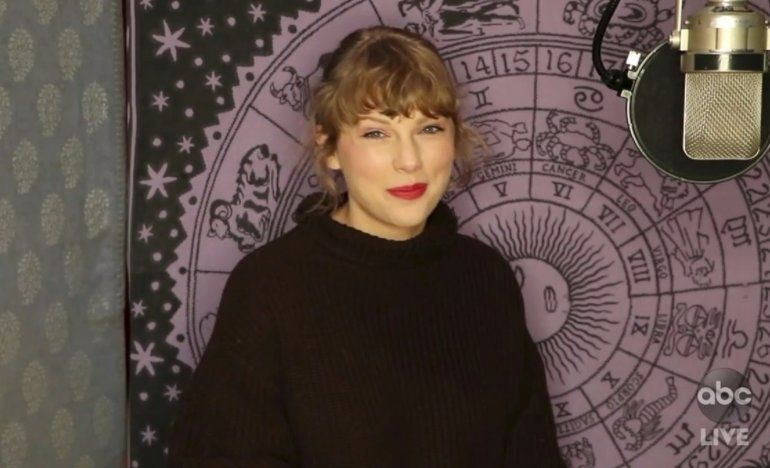 Swift gana el máximo galardón en los American Music Awards