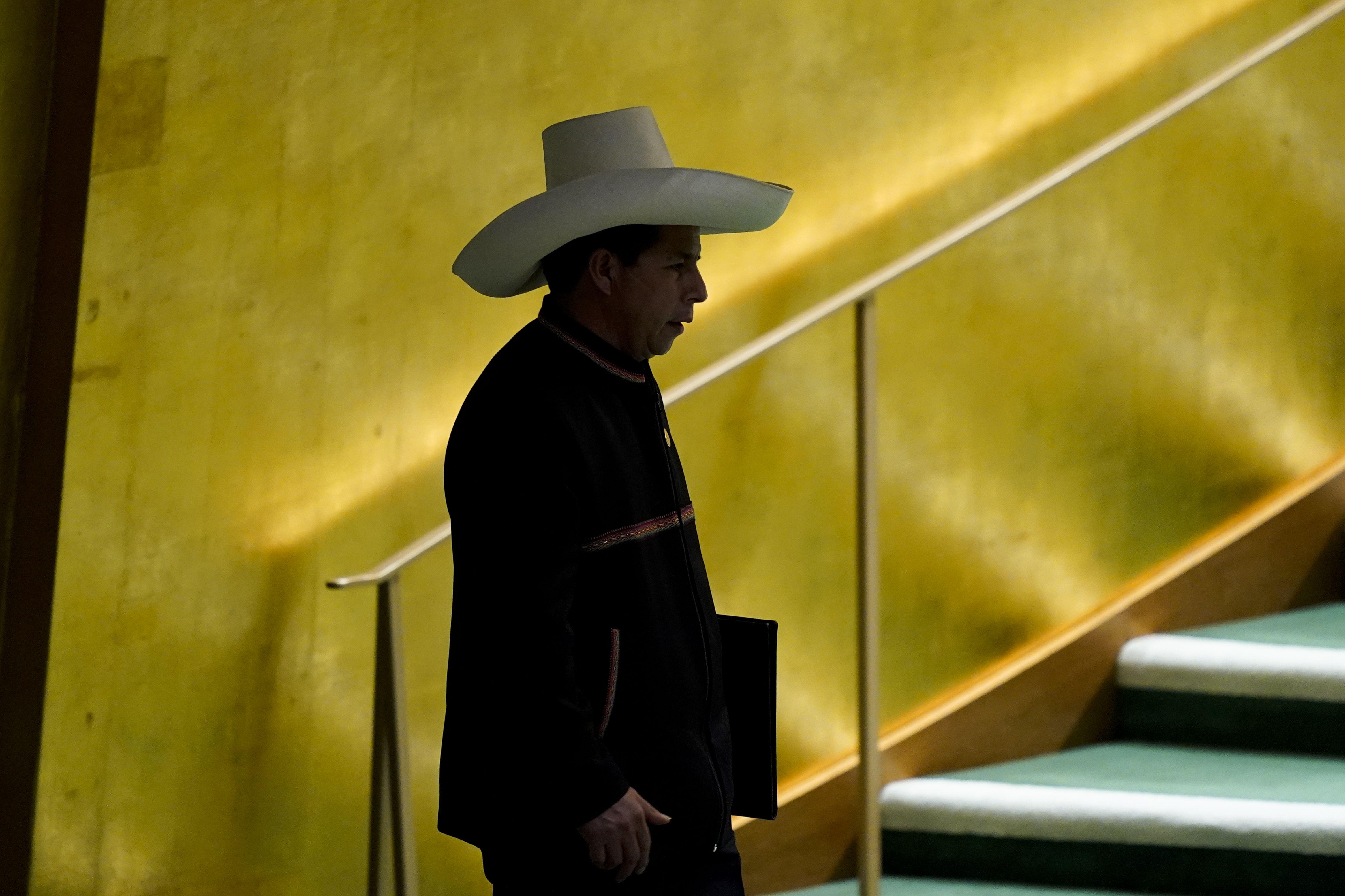 peru: gabinete de castillo busca la aprobacion del congreso