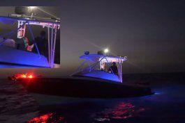 embarcacion que se unio en medio de la noche a flotilla que viajo frente a costas de cuba pudieron ser infiltrados de la seguridad del estado cubana