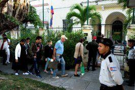 colombia podria expulsar a diplomaticos cubanos por operaciones de injerencia en ese pais