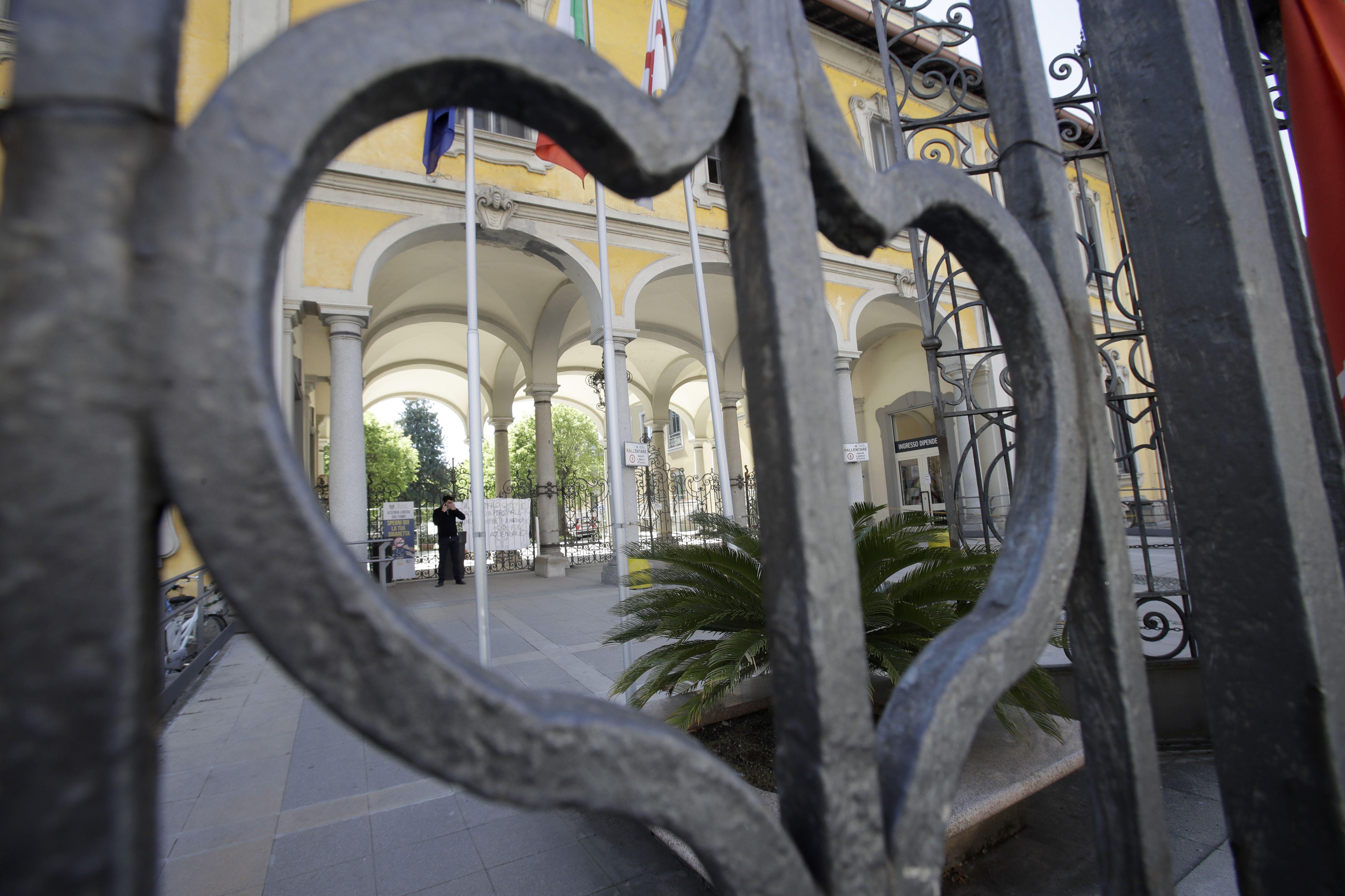 ai pide pesquisa por muertes en centros de mayores italianos