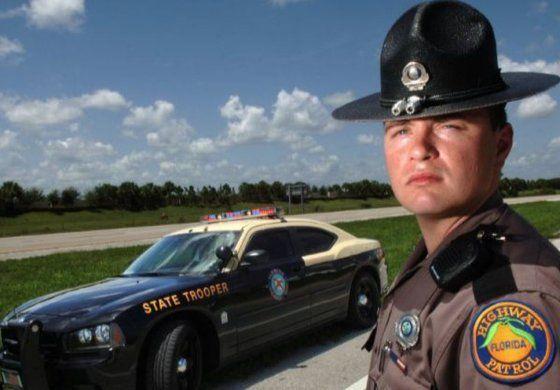Patrulla de Carreteras de Florida se preparan para  el incremento de viajeros en el Día de Acción de Gracia
