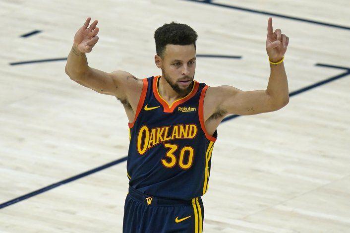 Jazz aplasta pero Curry es 2do en lista de triples