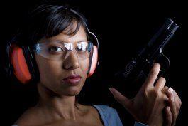 mas mujeres se arman para sentirse seguras en puerto rico