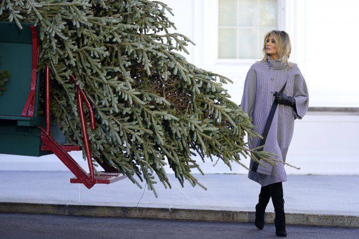 Casa Blanca planea festejos navideños pese a advertencias