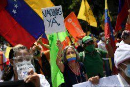 caos en plan de vacunacion de nicolas maduro en venezuela