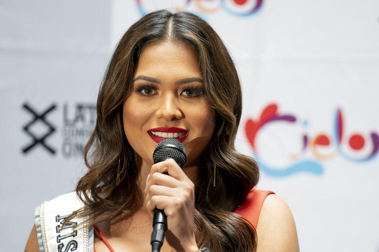 Miss Universo decidida a aprovechar corto reinado