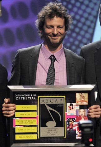 Aun divisivo, Dr. Luke resurge en los Grammy como Tyson Trax