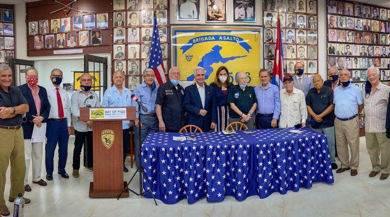 La Brigada 2506 anuncia su respaldo a la candidata republicana al congreso federal María Elvira Salazar
