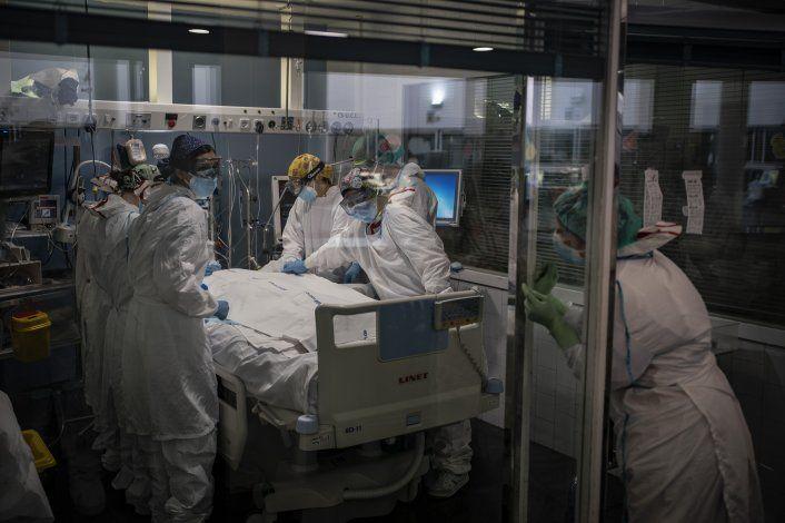 España: Salud mental del personal médico sufre en repunte