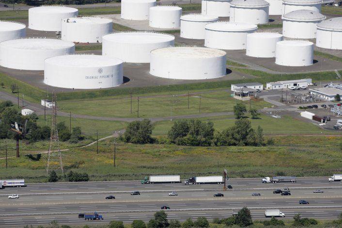 Operador espera reiniciar en días oleoducto hackeado en EEUU