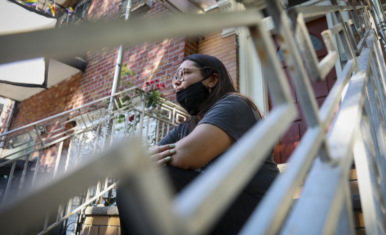 Estudiantes extranjeros en EEUU enfrentan pérdida de visa