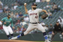 marineros superan a astros 6-5 con hit final de france