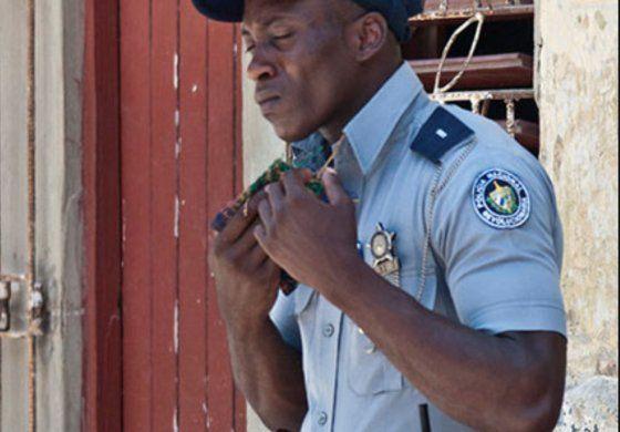 Los policías en Cuba ganarán más que los médicos