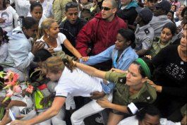 Las Damas de Blanco han sido víctimas habituales de la represión del régimen desde su fundación.