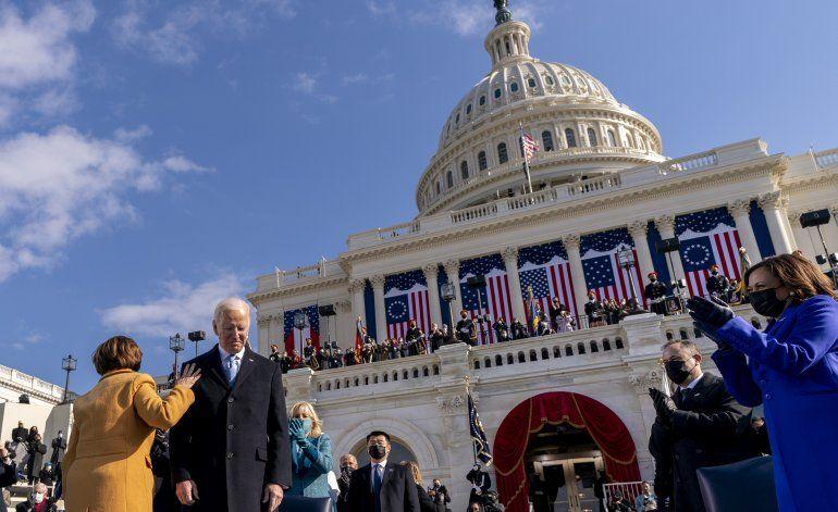 Biden presenta su plan para abordar la pandemia de COVID-19 en EEUU: La ayuda está en camino