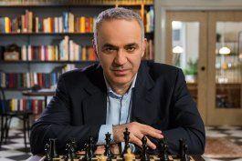 Kasparov, una leyenda del ajedrez y de la defensa de los derechos humanos, denuncia campaña de represión en Cuba