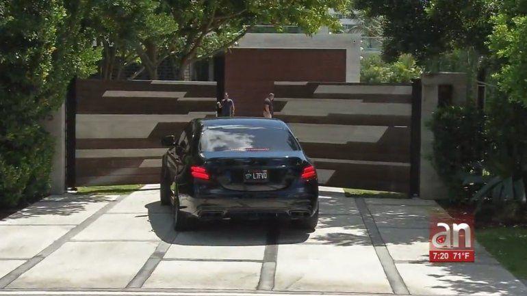 Intensifican búsqueda de los responsables de un violento asalto a una mansión de Miami Beach