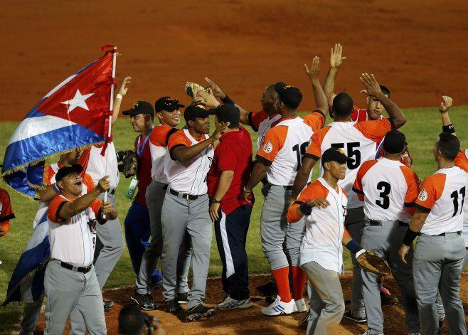 Casi 60 peloteros se fugaron de Cuba o lo intentaron este año