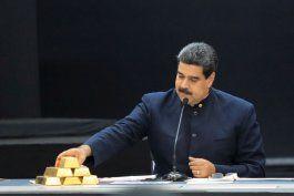 la ruta del oro de maduro: revelaron el esquema que monto la dictadura para rematar sus reservas y conseguir usd 1.000 millones