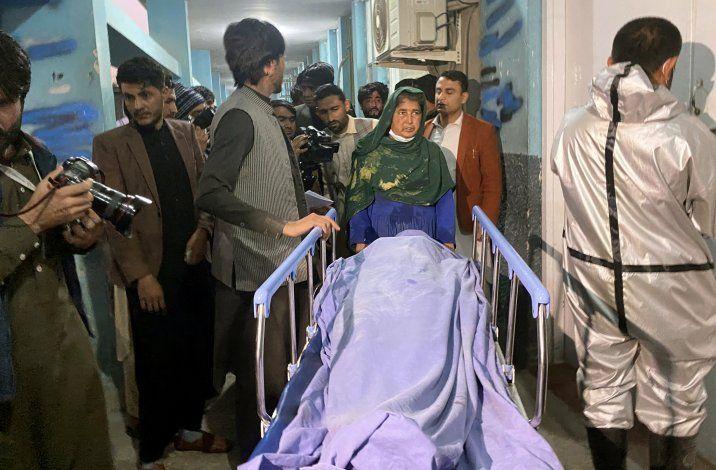EI reivindica el asesinato de 3 empleadas de una TV afgana