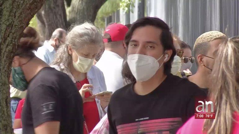 Largas filas en centros de pruebas de coronavirus en el condado Miami-Dade