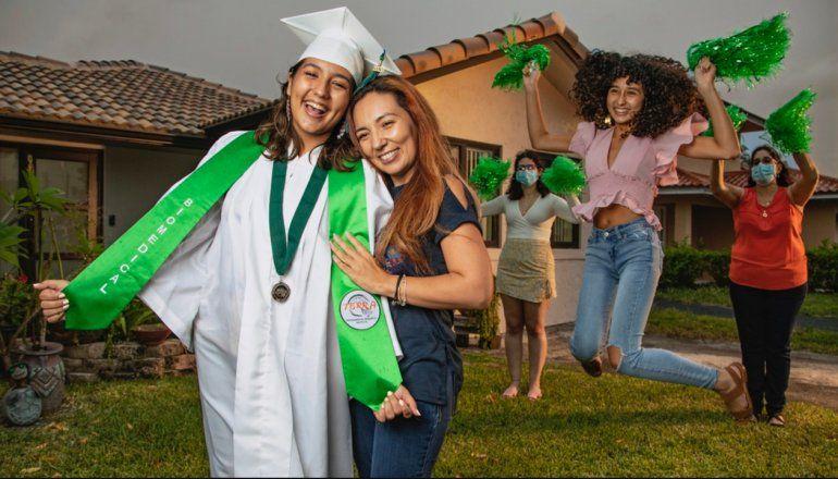 Miami-Dade y Broward celebrarán graduaciones presenciales